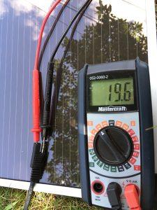 Voltmeter testing to solar panel