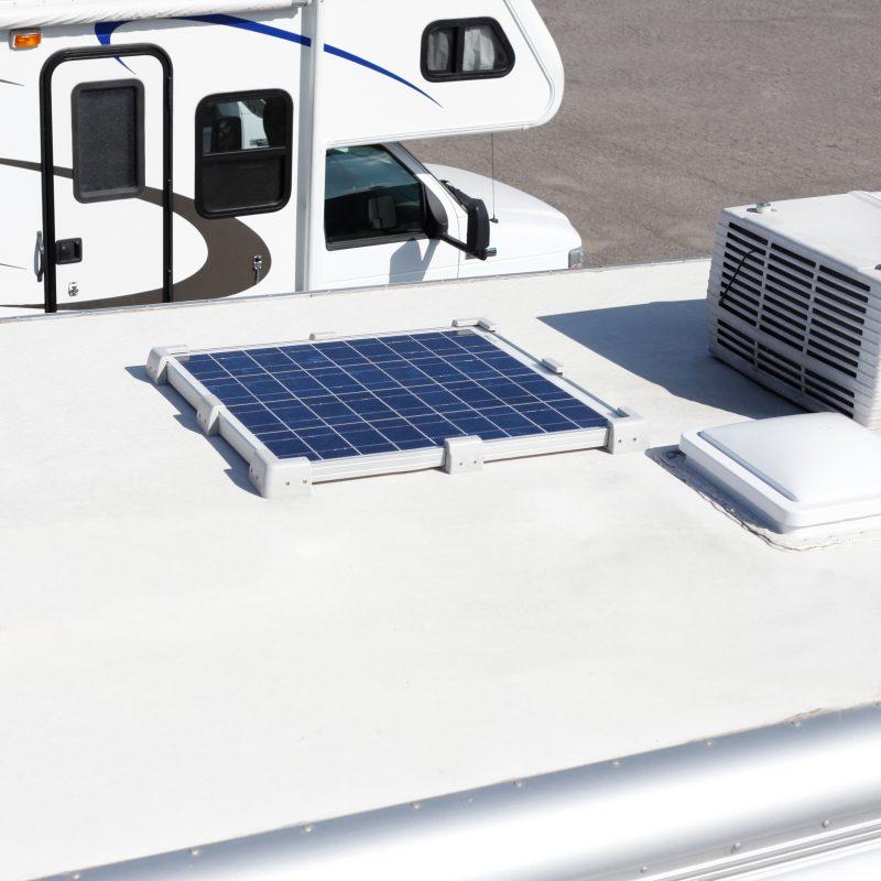 syst me d 39 installation de panneau solaire universel sunforce. Black Bedroom Furniture Sets. Home Design Ideas